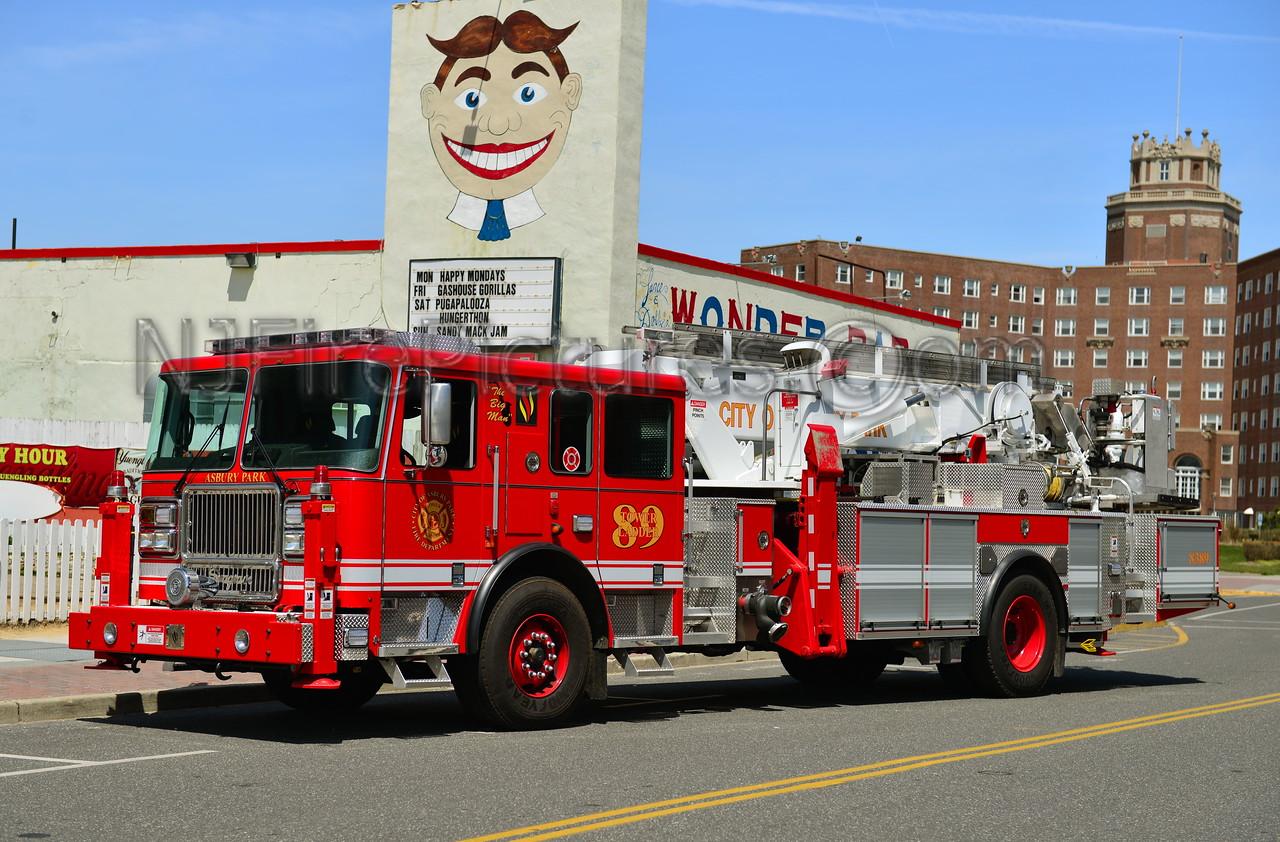 ASBURY PARK, NJ TOWER LADDER 89