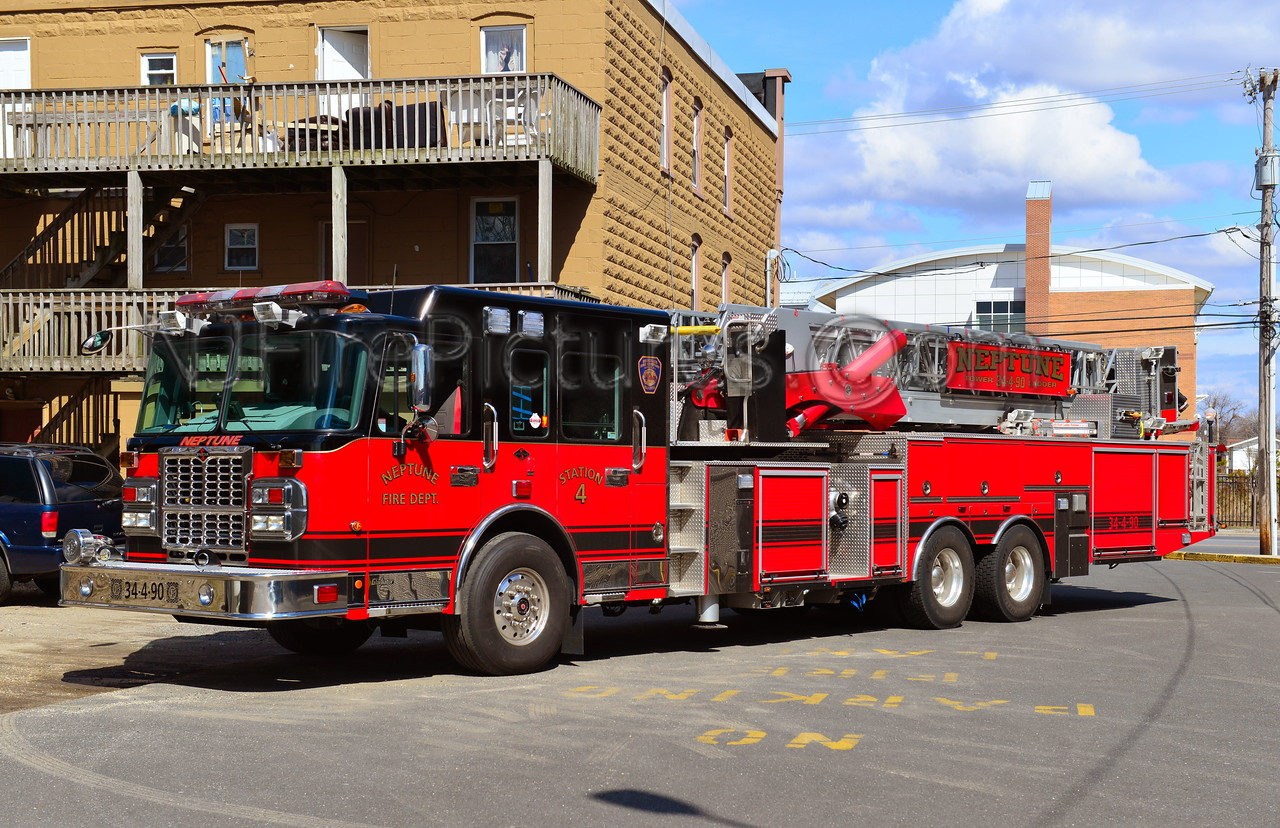 NEPTUNE TWP. TOWER 34-4-90 - 2009 SPARTAN/CRIMSON 100'
