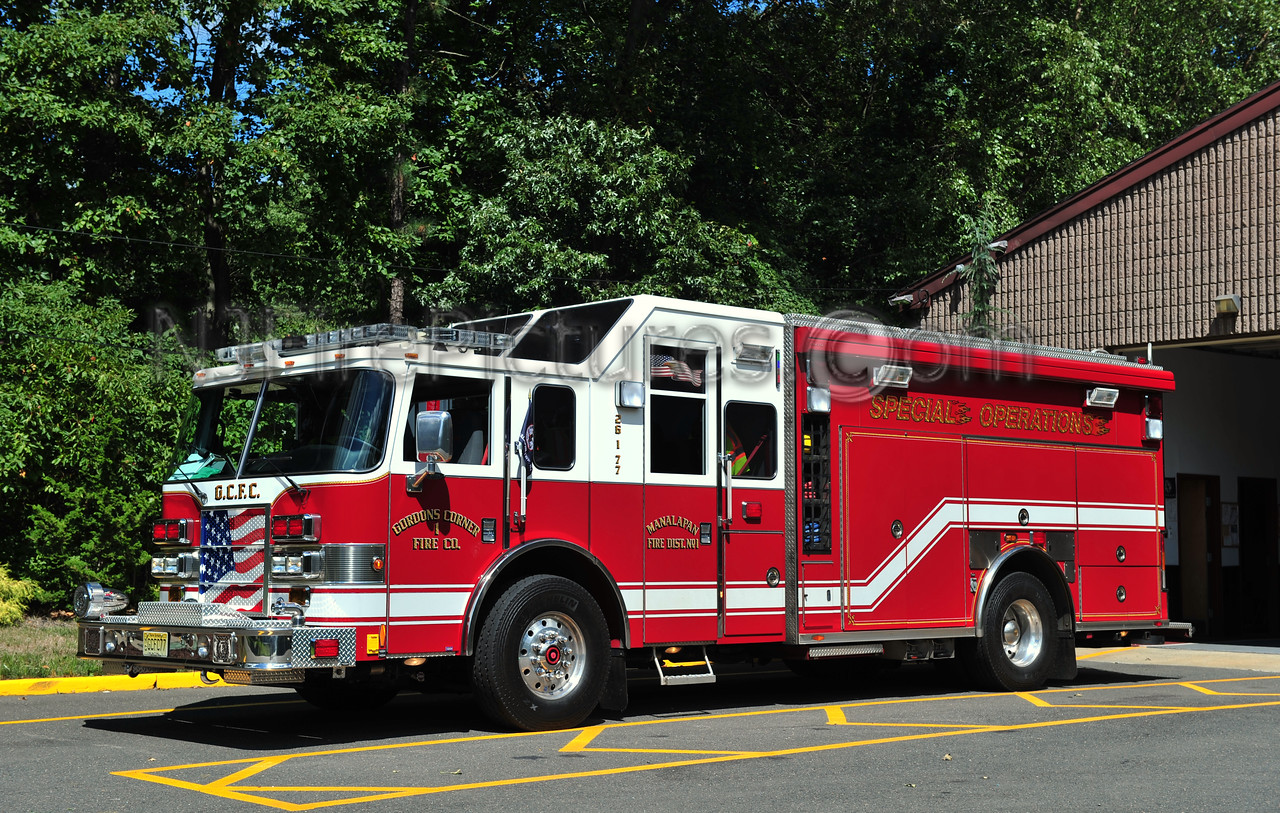 MANALAPAN TWP (GORDONS CORNER) ENGINE 26-1-77 - 2005 PIERCE LANCE 2000/750/30