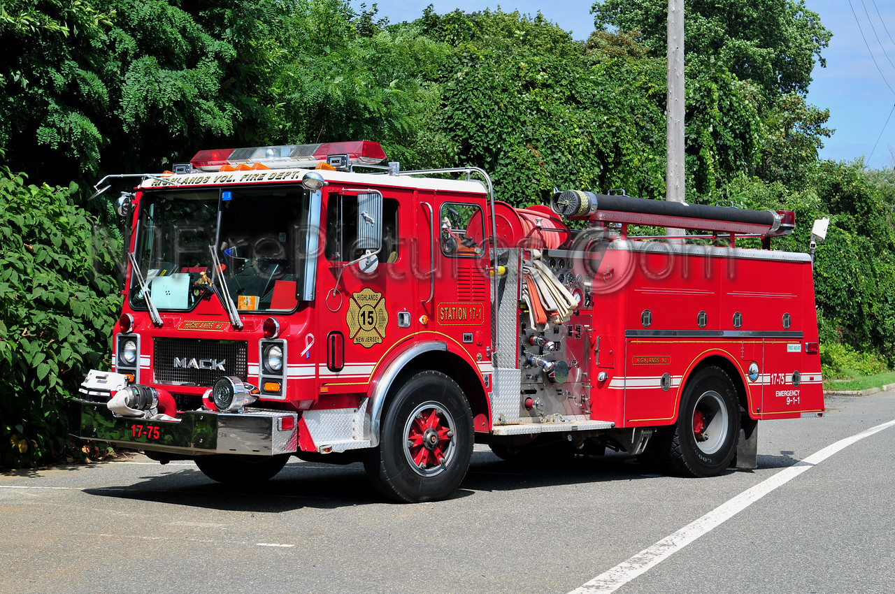 HIGHLANDS, NJ ENGINE 17-75 - 1985 MACK MC 1250/500