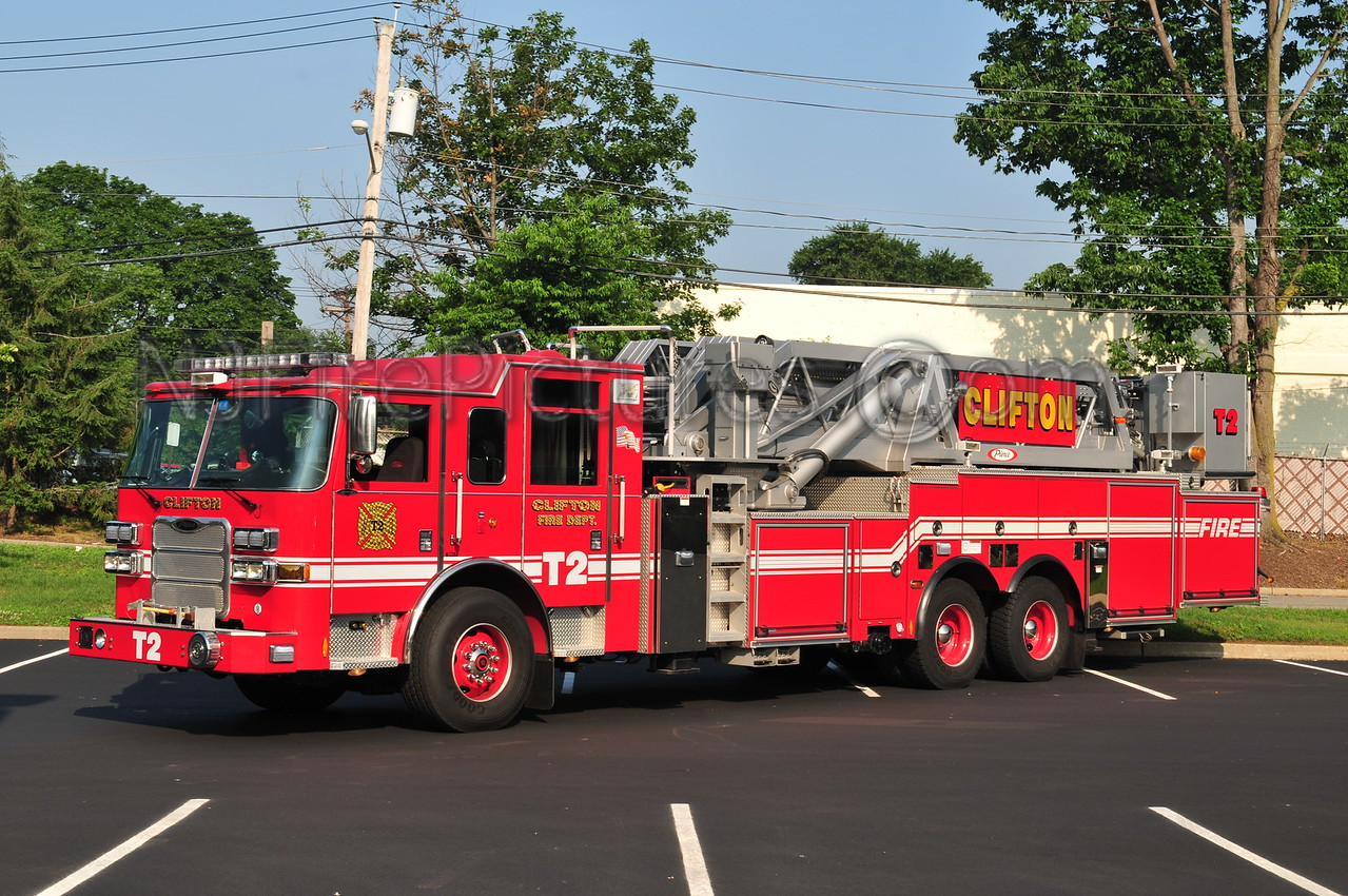 CLIFTON, NJ TRUCK 2 - 2010 PIERCE ARROW XT 95'