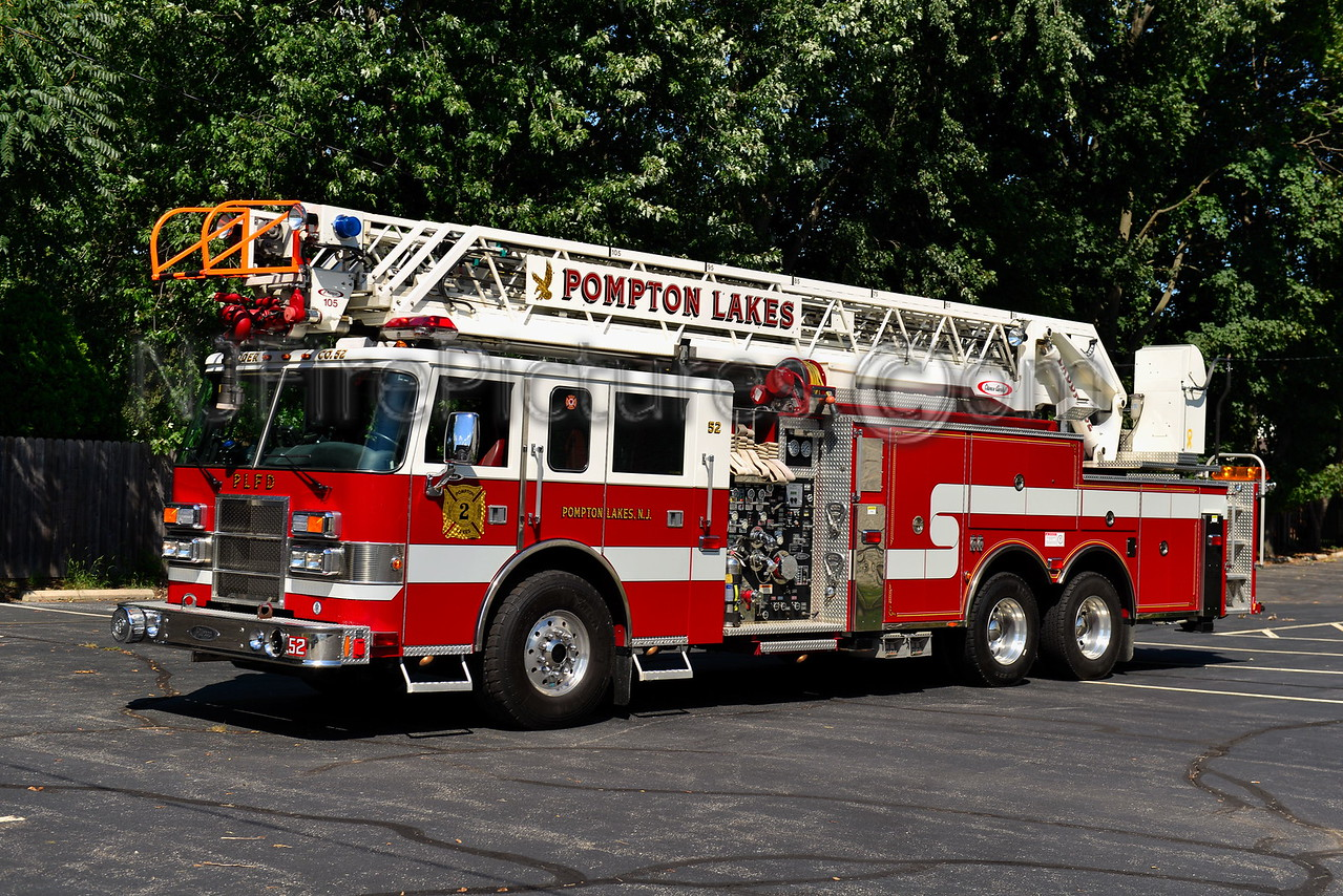POMPTON LAKES, NJ LADDER 52