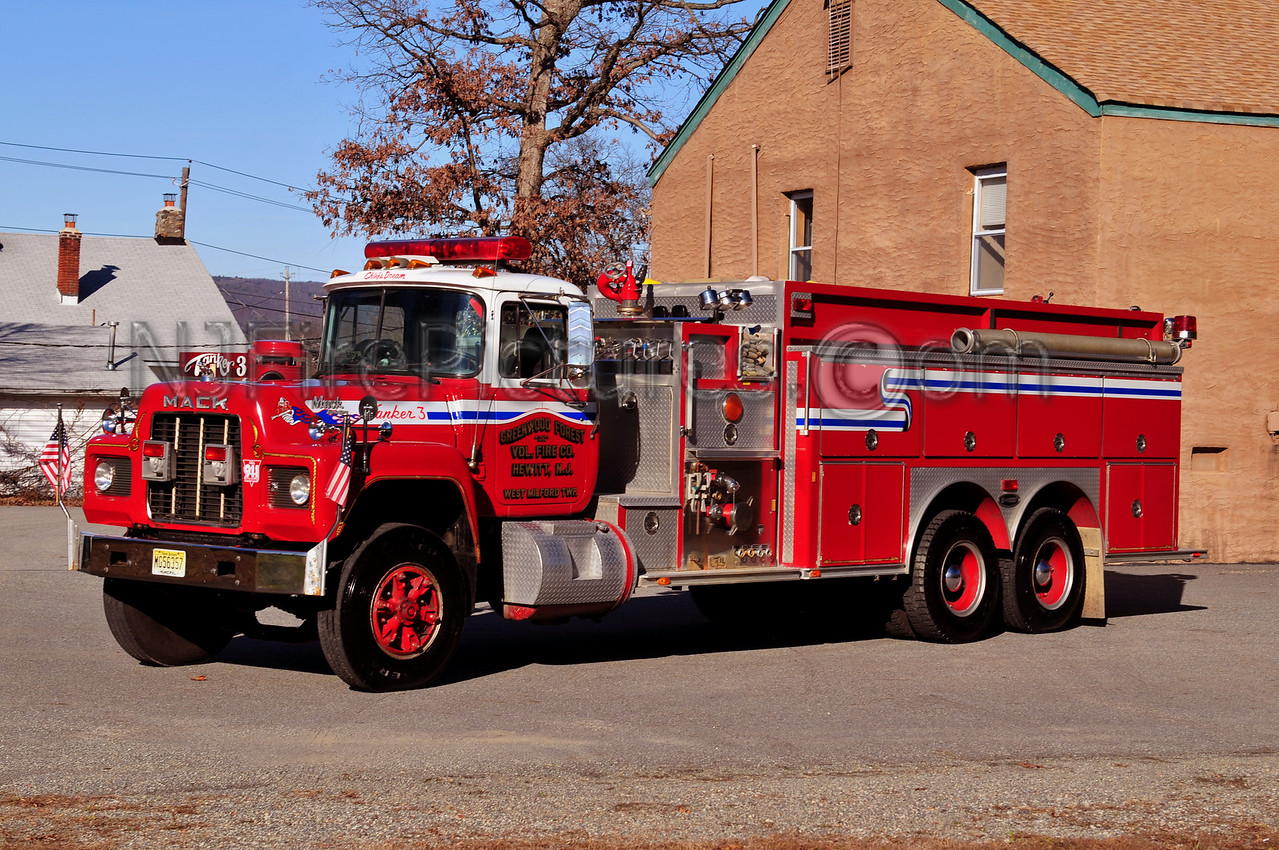 WEST MILFORD TANKER 3 - 1989 MACK R/EMERGENCY ONE 1250/2500