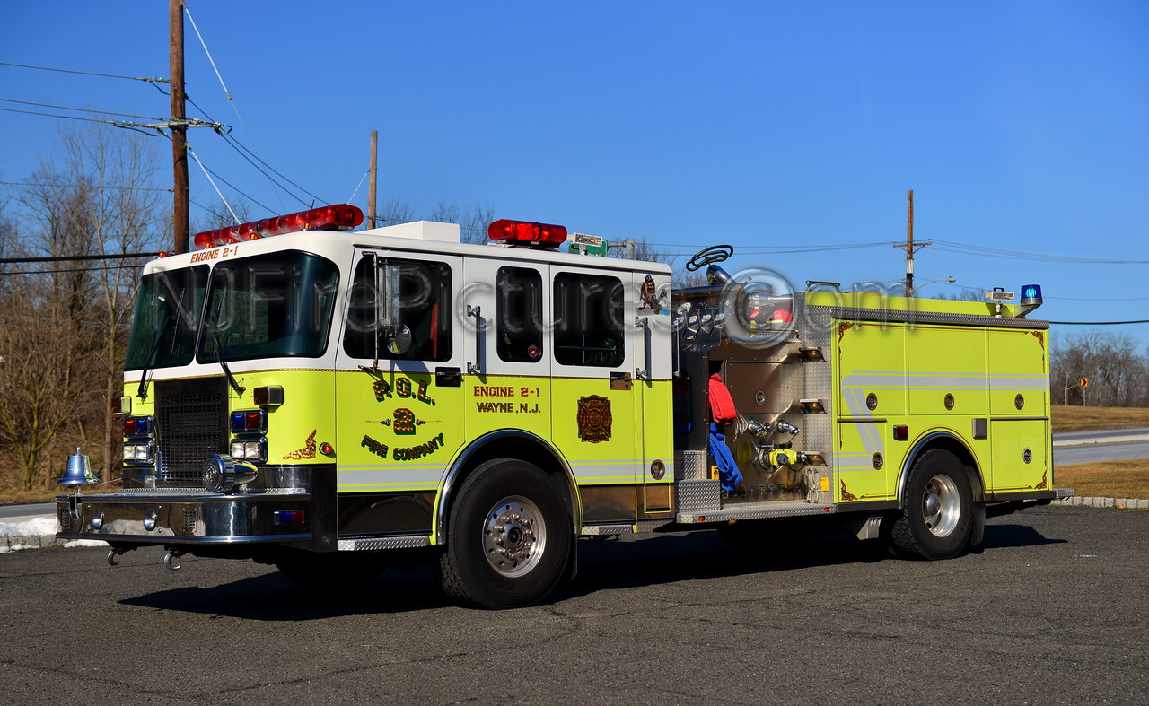 WAYNE, NJ ENGINE 2-1 - 2003 SPARTAN/SAULSBURY 2000/800/50