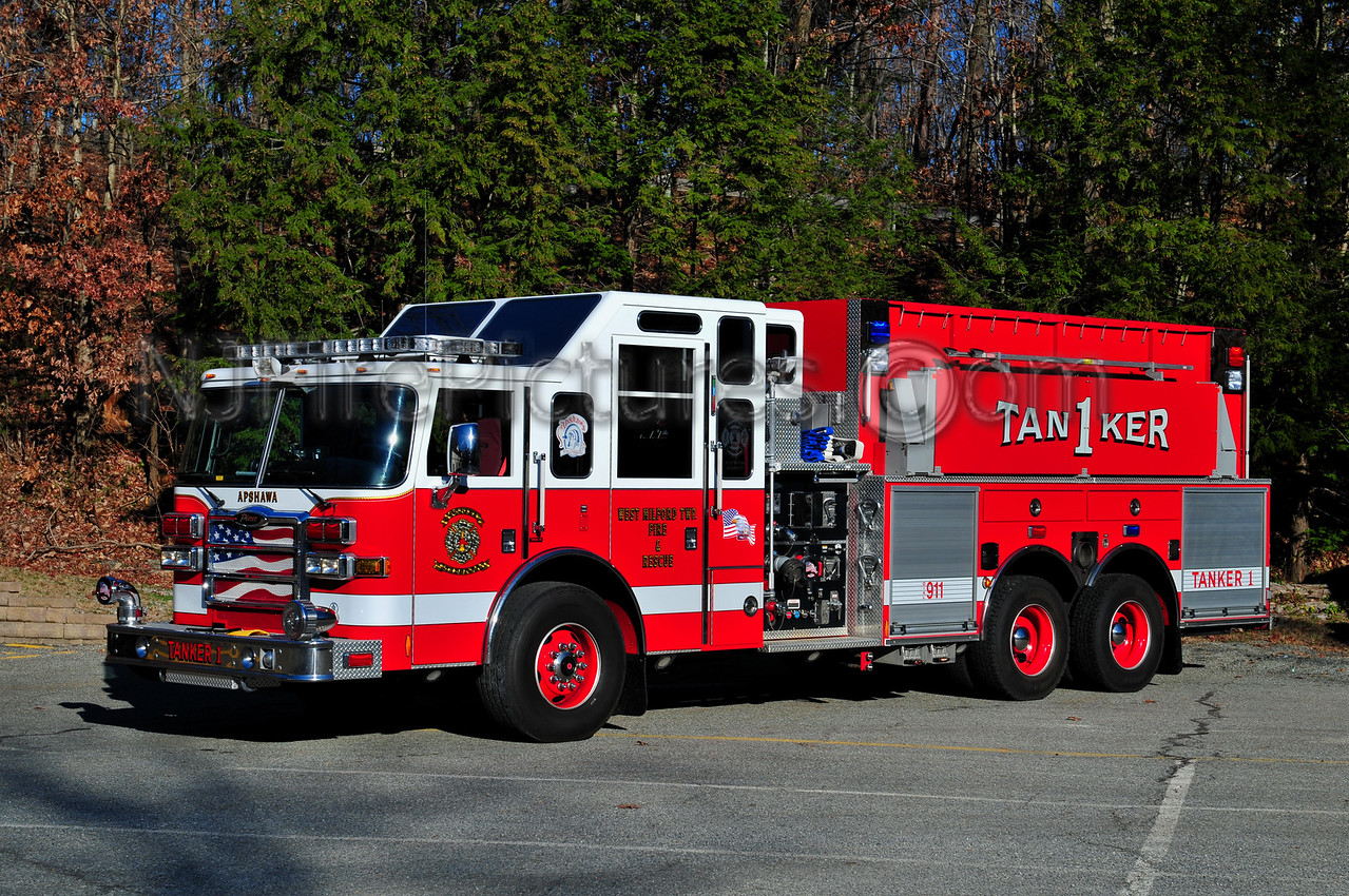 WEST MILFORD TANKER 1 - 2007 PIERCE DASH 1500/2500/40 APSHAWA FIRE CO. 1