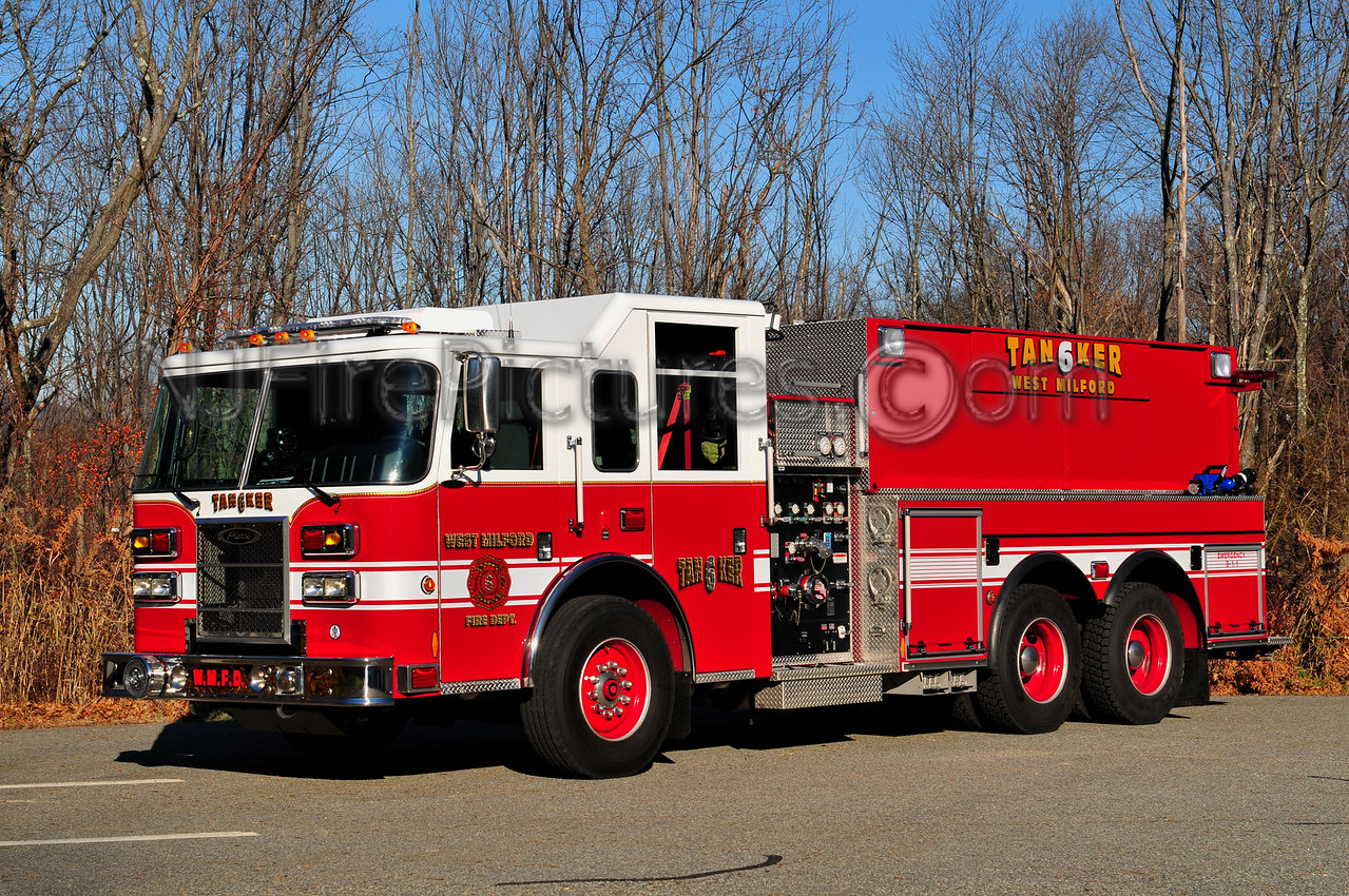 WEST MILFORD TANKER 6 - 2011 PIERCE SABER 1000/2500