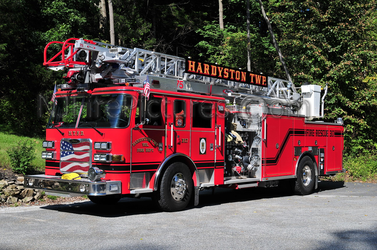 HARDYSTON, NJ LADDER 317