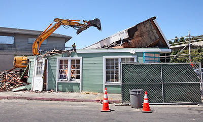 NEW MORNING CAFE DEMOLITION . 0236