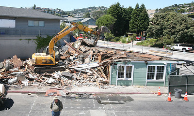 NEW MORNING CAFE DEMOLITION . 0275