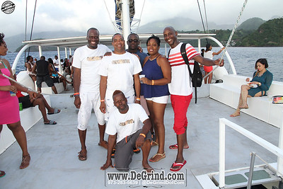 WAVE D ULTIMATE BOAT CRUISE