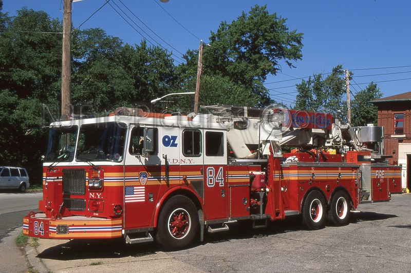 STATEN ISLAND NY TOWER LADDER 84