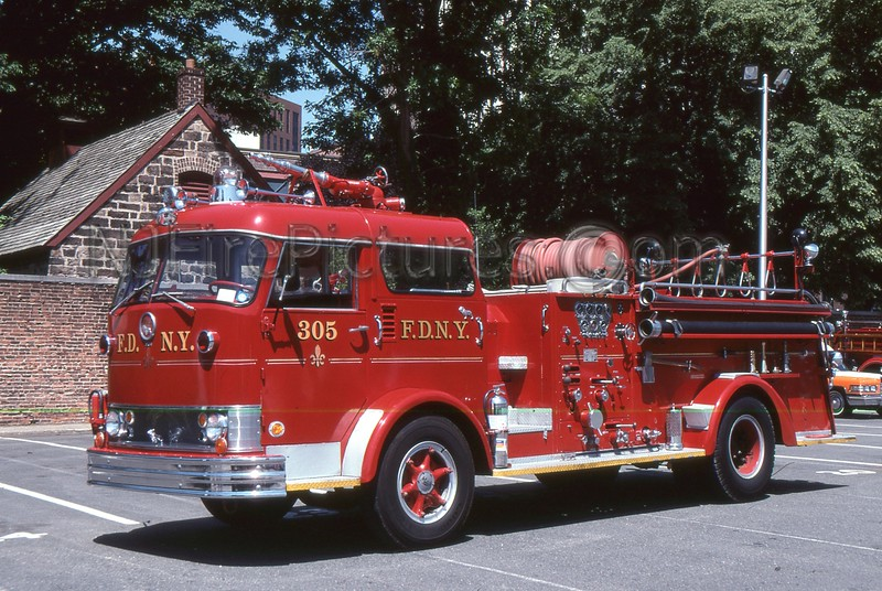 QUEENS NY ENGINE 305 - PRIVATELY OWNED