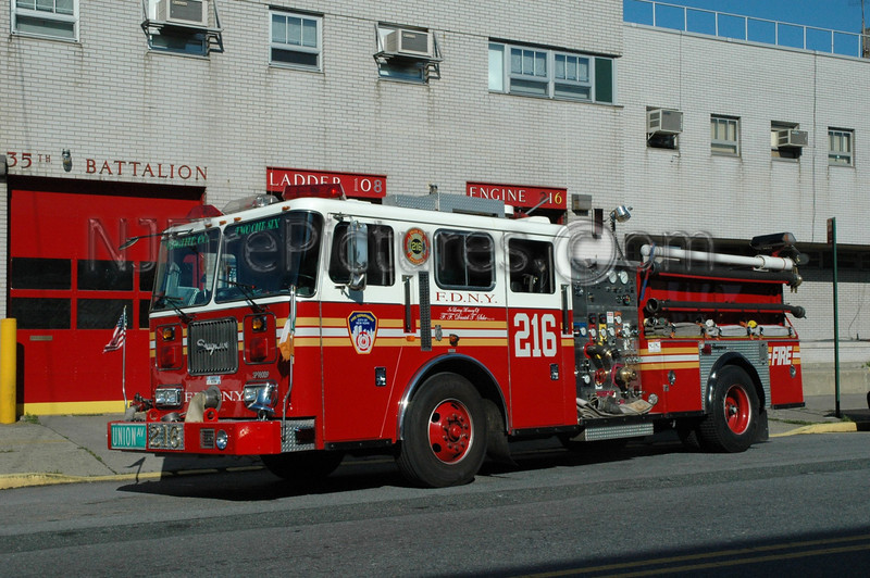 Brooklyn - Engine 216 - 1998 Seagrave 1000/500