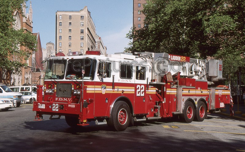 MANHATTAN NY TOWER LADDER 22