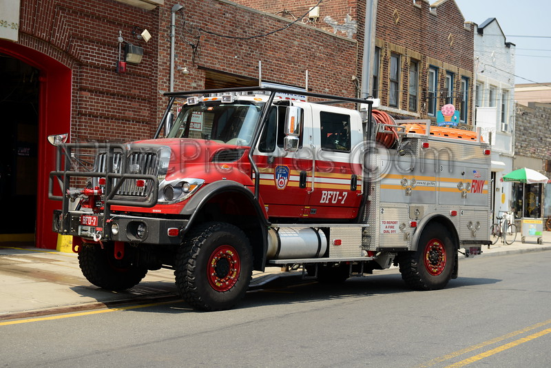 QUEENS, NY BRUSH FIRE UNIT 7