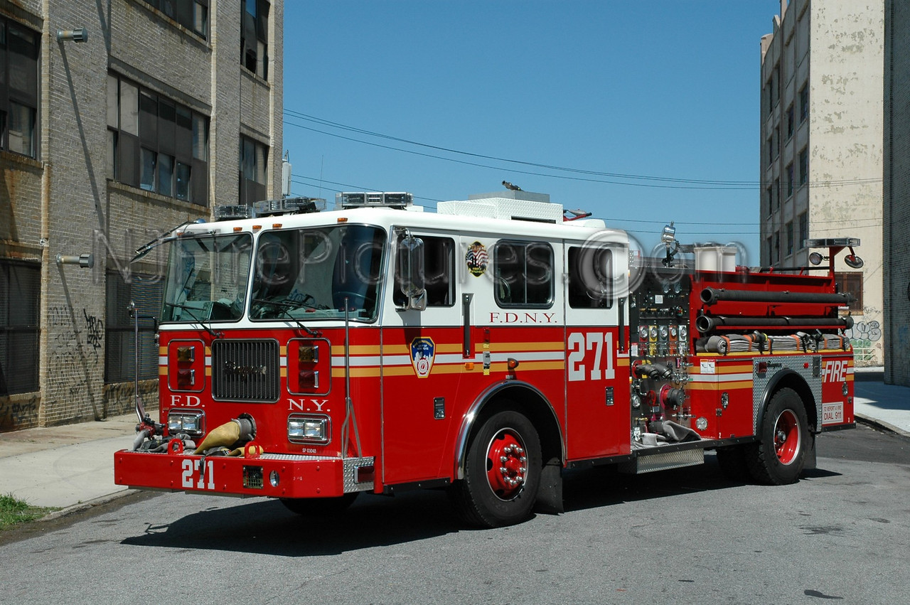Brooklyn - Engine 271 - 2003 Seagrave 1000/500