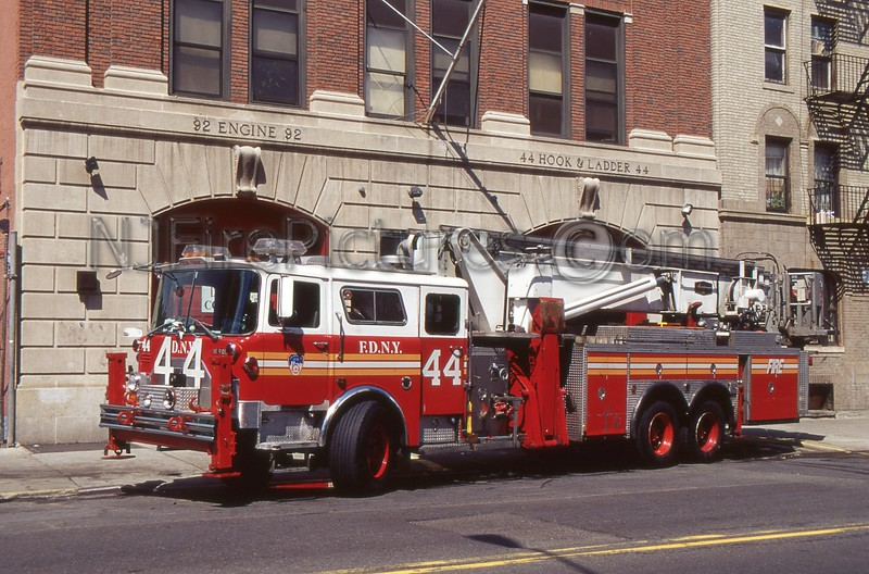 BRONX NY TOWER LADDER 44