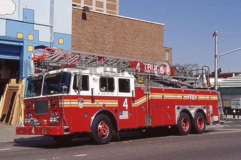 MANHATTAN NY LADDER 4