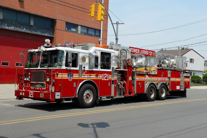 QUEENS, NY TOWER LADDER 121