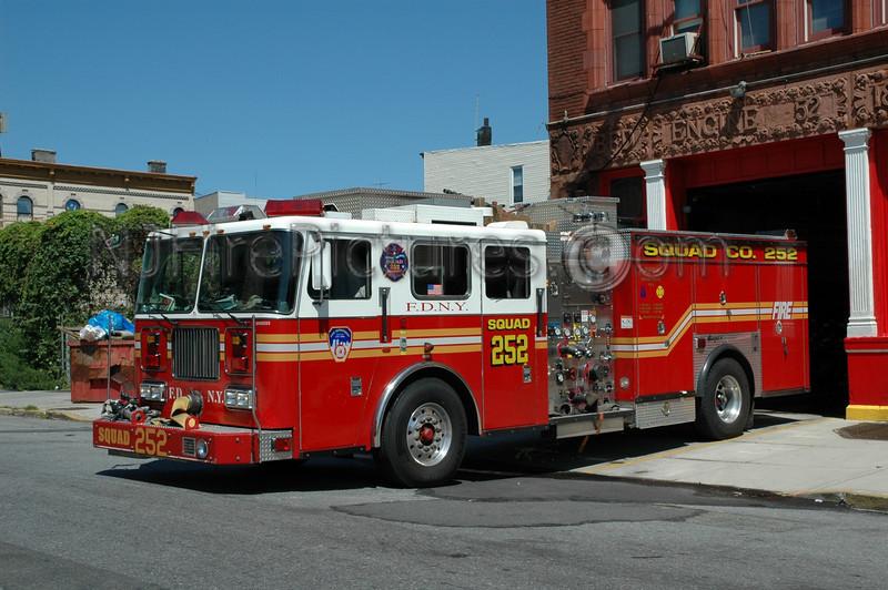 Brooklyn - Squad 252 - 2000 Seagrave 1000/500