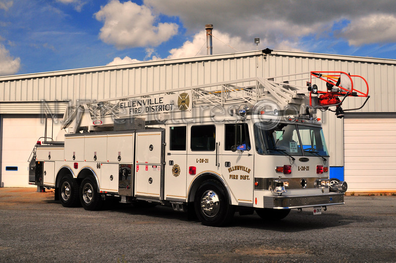 ELLENVILLE, NY LADDER 26-21 - 1990 PIERCE ARROW 105' (ULSTER COUNTY)