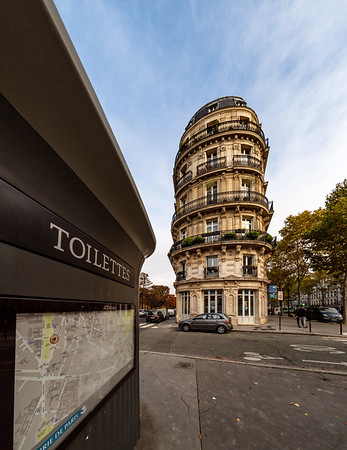 Editorial: 25th October 2019: Paris, France. The streets of Paris . Toilettes public