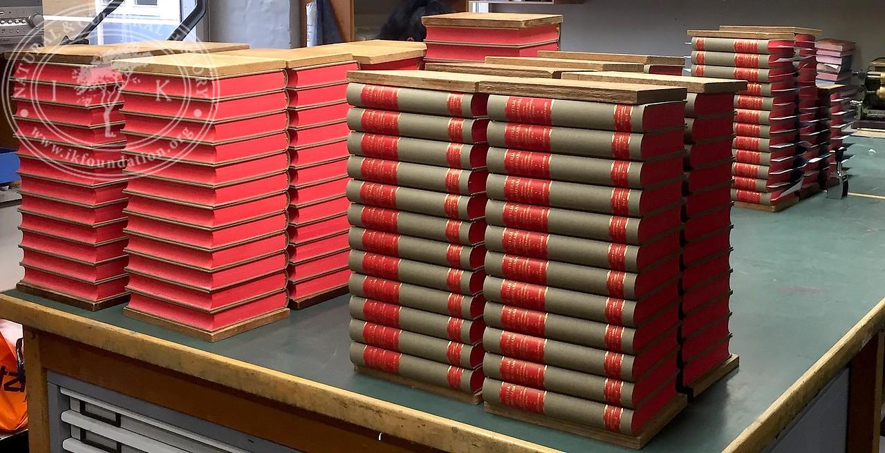 Book piles of Textilia Linnaeana ...