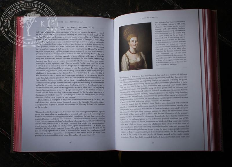 TEXTILIA LINNAEANA  |  The Book