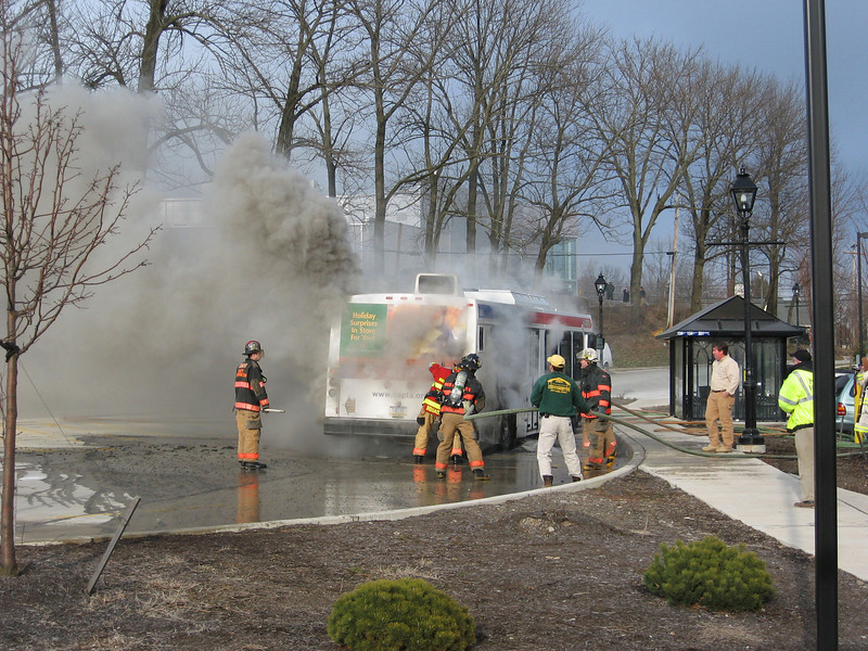 SEPTA bus fire, Fort Washington station