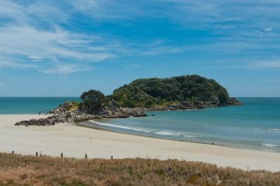Tauranga je mj. slavná svými plážemi - údajně rájem surfařů.