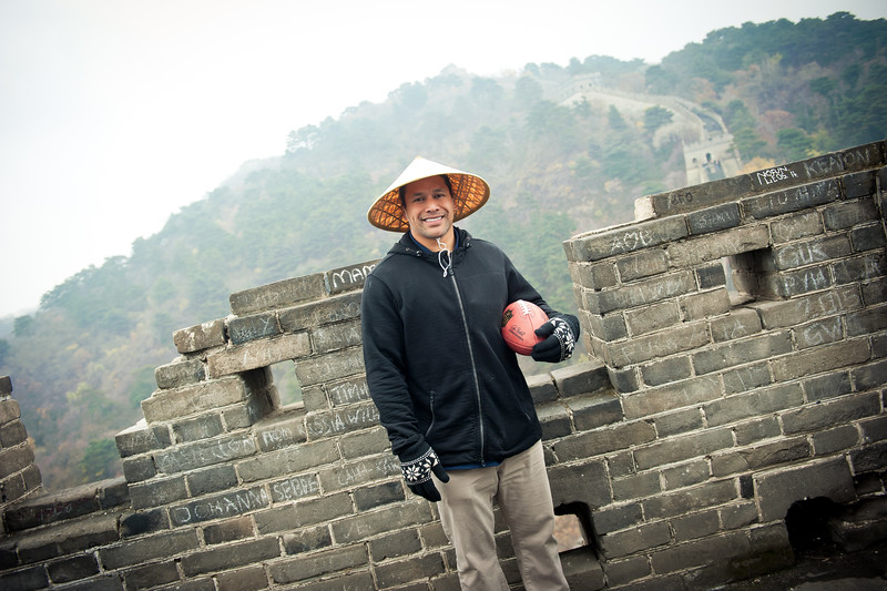 November 18, 2015 - NFL China Pittsburgh Steelers Super Bowl XLIII Champions Tour. Troy Polamalu on the Great Wall of China.