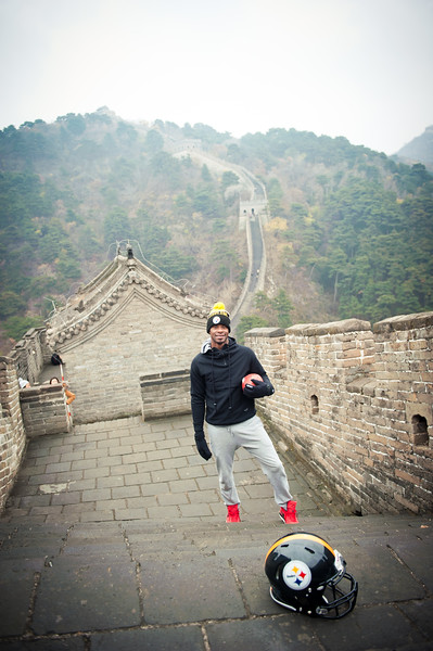 November 18, 2015 - NFL China Pittsburgh Steelers Super Bowl XLIII Champions Tour. Ike Taylor on the Great Wall of China.