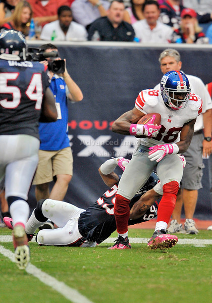 Oct 10 2010:  <br /> New York Giants wide receiver Hakeem Nicks #88 slips a tackle and scores in a game between New York Giants and the Houston Texans at Reliant Stadium in Houston, Texas.<br /> New York Giants win 34-10.<br /> (Credit Image: © Manny Flores/Cal Sport Media)