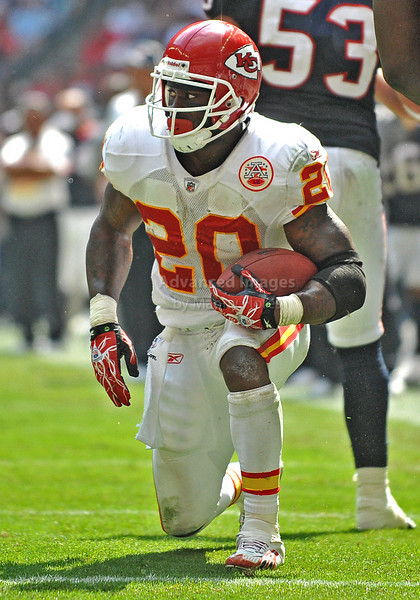 Oct 17 2010:  <br /> Kansas City Chiefs running back Thomas Jones #20 carries the ball for a first down in a game between Kansas City Chiefs and the Houston Texans at Reliant Stadium in Houston, Texas.<br /> Houston wins 35-31<br /> (Credit Image: © Manny Flores/Cal Sport Media)