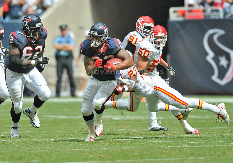 Oct 17 2010:  <br /> Houston Texans running back Arian Foster #23 carries the ball <br /> in a game between Kansas City Chiefs and the Houston Texans at Reliant Stadium in Houston, Texas.<br /> Houston wins 35-31<br /> (Credit Image: © Manny Flores/Cal Sport Media)