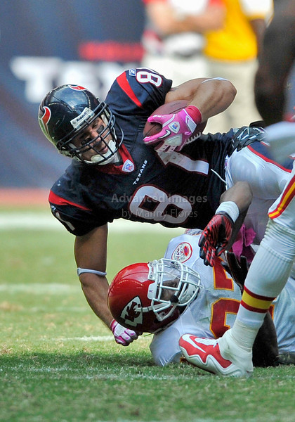 Oct 17 2010:  <br /> Houston Texans tight end Owen Daniels #81 gets a first down<br /> in a game between Kansas City Chiefs and the Houston Texans at Reliant Stadium in Houston, Texas.<br /> Houston wins 35-31<br /> (Credit Image: © Manny Flores/Cal Sport Media)