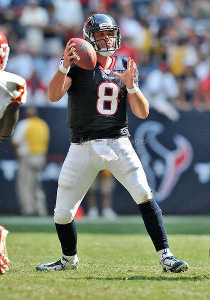 Oct 17 2010:  <br /> Houston Texans quarterback Matt Schaub #8 passes the ball<br /> in a game between Kansas City Chiefs and the Houston Texans at Reliant Stadium in Houston, Texas.<br /> Houston wins 35-31<br /> (Credit Image: © Manny Flores/Cal Sport Media)