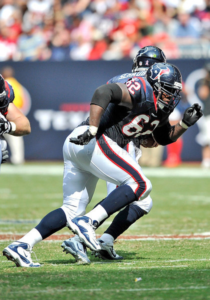 Oct 17 2010:  <br /> Houston Texans guard Antoine Caldwell #62 in action<br /> in a game between Kansas City Chiefs and the Houston Texans at Reliant Stadium in Houston, Texas.<br /> Houston wins 35-31<br /> (Credit Image: © Manny Flores/Cal Sport Media)