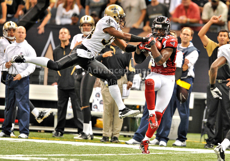 Sept 26 2010:  <br /> Atlanta Falcons wide receiver Roddy White #84 catches a pass while New Orleans Saints cornerback Jabari Greer #33 defends<br /> in a game between Atlanta Falcons vs New Orleans Saints at the Superdome in New Orleans, LA. <br /> Atlanta Falcons win in overtime 27-24<br /> (Credit Image: © Manny Flores/Cal Sport Media)