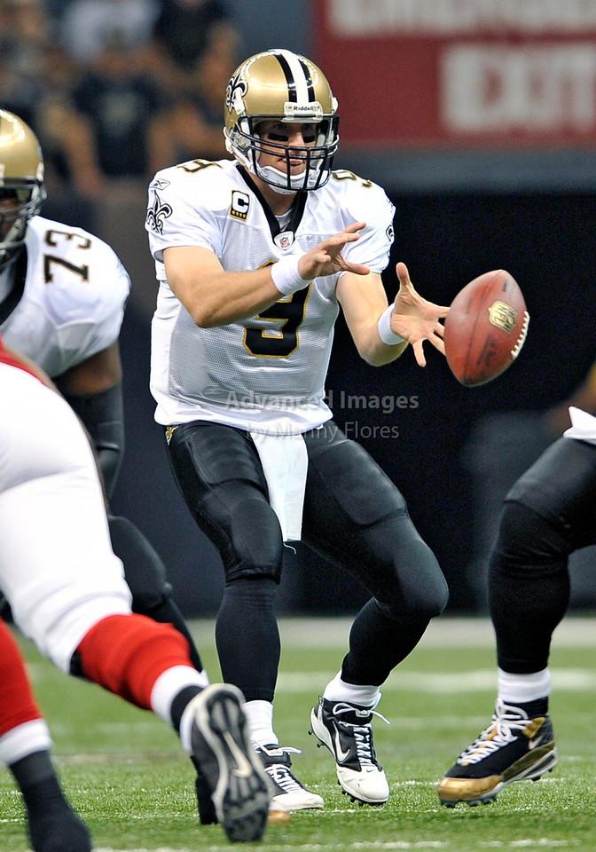 Sept 26 2010:  <br /> New Orleans Saints quarterback Drew Brees #9 <br /> in a game between Atlanta Falcons vs New Orleans Saints at the Superdome in New Orleans, LA. <br /> Atlanta Falcons win in overtime 27-24<br /> (Credit Image: © Manny Flores/Cal Sport Media)