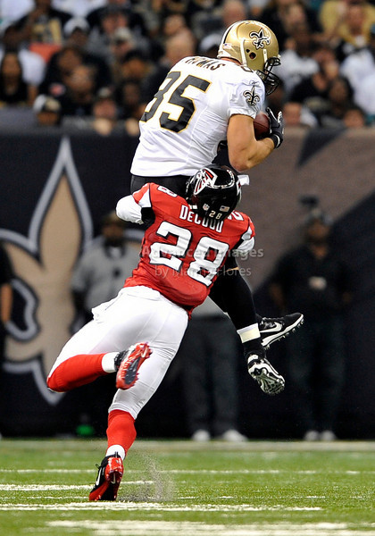Sept 26 2010:  <br /> New Orleans Saints tight end David Thomas #85 makes a catch<br /> in a game between Atlanta Falcons vs New Orleans Saints at the Superdome in New Orleans, LA. <br /> Atlanta Falcons win in overtime 27-24<br /> (Credit Image: © Manny Flores/Cal Sport Media)