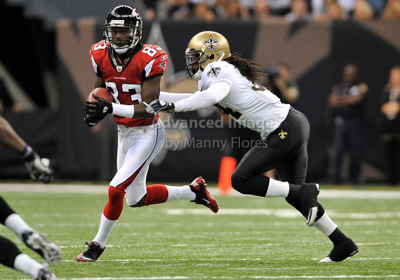 Sept 26 2010:  <br /> Atlanta Falcons wide receiver Harry Douglas #83 catches a pass<br /> in a game between Atlanta Falcons vs New Orleans Saints at the Superdome in New Orleans, LA. <br /> Atlanta Falcons win in overtime 27-24<br /> (Credit Image: © Manny Flores/Cal Sport Media)