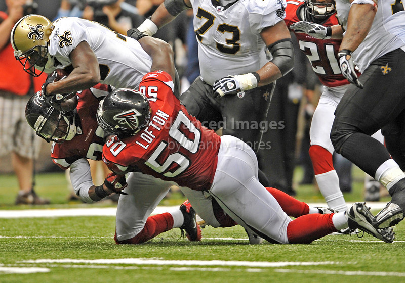 Sept 26 2010:  <br /> Atlanta Falcons linebacker Curtis Lofton #50 takes down New Orleans Saints wide receiver Devery Henderson #19 after a short gain<br /> in a game between Atlanta Falcons vs New Orleans Saints at the Superdome in New Orleans, LA. <br /> Atlanta Falcons win in overtime 27-24<br /> (Credit Image: © Manny Flores/Cal Sport Media)