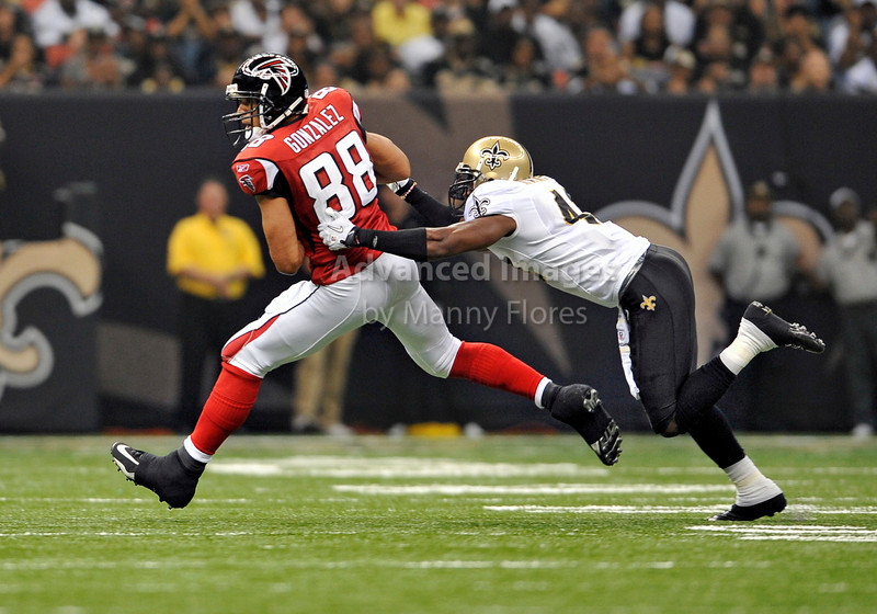 Sept 26 2010:  <br /> Atlanta Falcons tight end Tony Gonzalez #88 gets open<br /> in a game between Atlanta Falcons vs New Orleans Saints at the Superdome in New Orleans, LA. <br /> Atlanta Falcons win in overtime 27-24<br /> (Credit Image: © Manny Flores/Cal Sport Media)