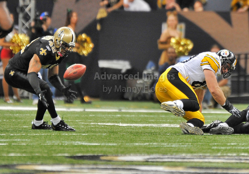 OCT 31 2010:  <br /> New Orleans Saints safety Darren Sharper #42 picks up a loose fumble to seal a victory in a game between Pittsburgh Steelers and New Orleans Saints at the Louisiana Superdome Stadium in New Orleans, LA.<br />  Saints win 20-10<br /> (Credit Image: © Manny Flores/Cal Sport Media)