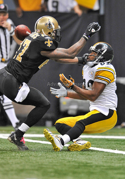 OCT 31 2010:  <br /> Pittsburgh Steelers wide receiver Antwaan Randle El #82 tries to catch the ball as he is denied by New Orleans Saints cornerback Malcolm Jenkins #27 in a game between Pittsburgh Steelers and New Orleans Saints at the Louisiana Superdome Stadium in New Orleans, LA.<br />  Saints win 20-10<br /> (Credit Image: © Manny Flores/Cal Sport Media)