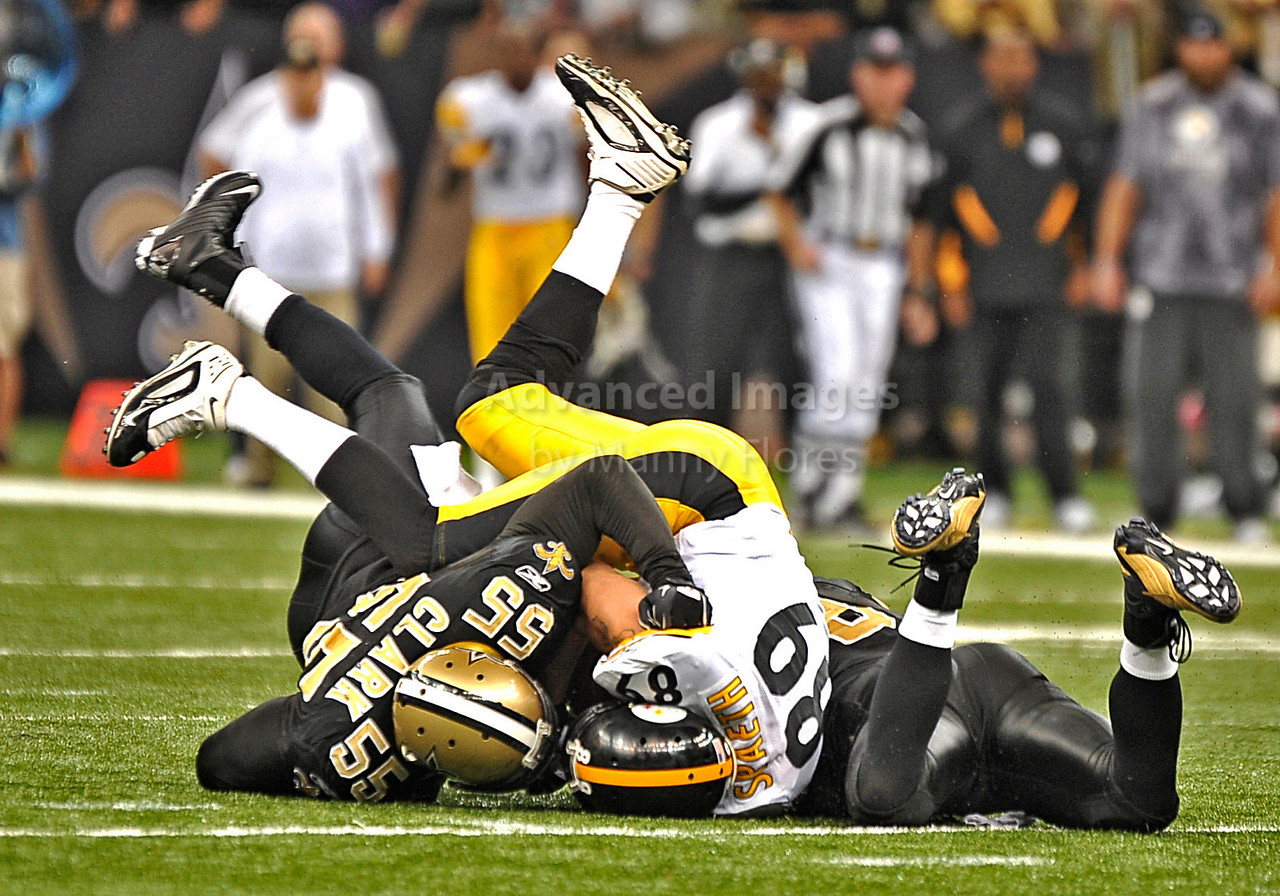 OCT 31 2010:  <br /> Pittsburgh Steelers tight end Matt Spaeth #89 is tackled by New Orleans Saints linebacker Danny Clark #55 in a game between Pittsburgh Steelers and New Orleans Saints at the Louisiana Superdome Stadium in New Orleans, LA.<br />  Saints win 20-10<br /> (Credit Image: © Manny Flores/Cal Sport Media)