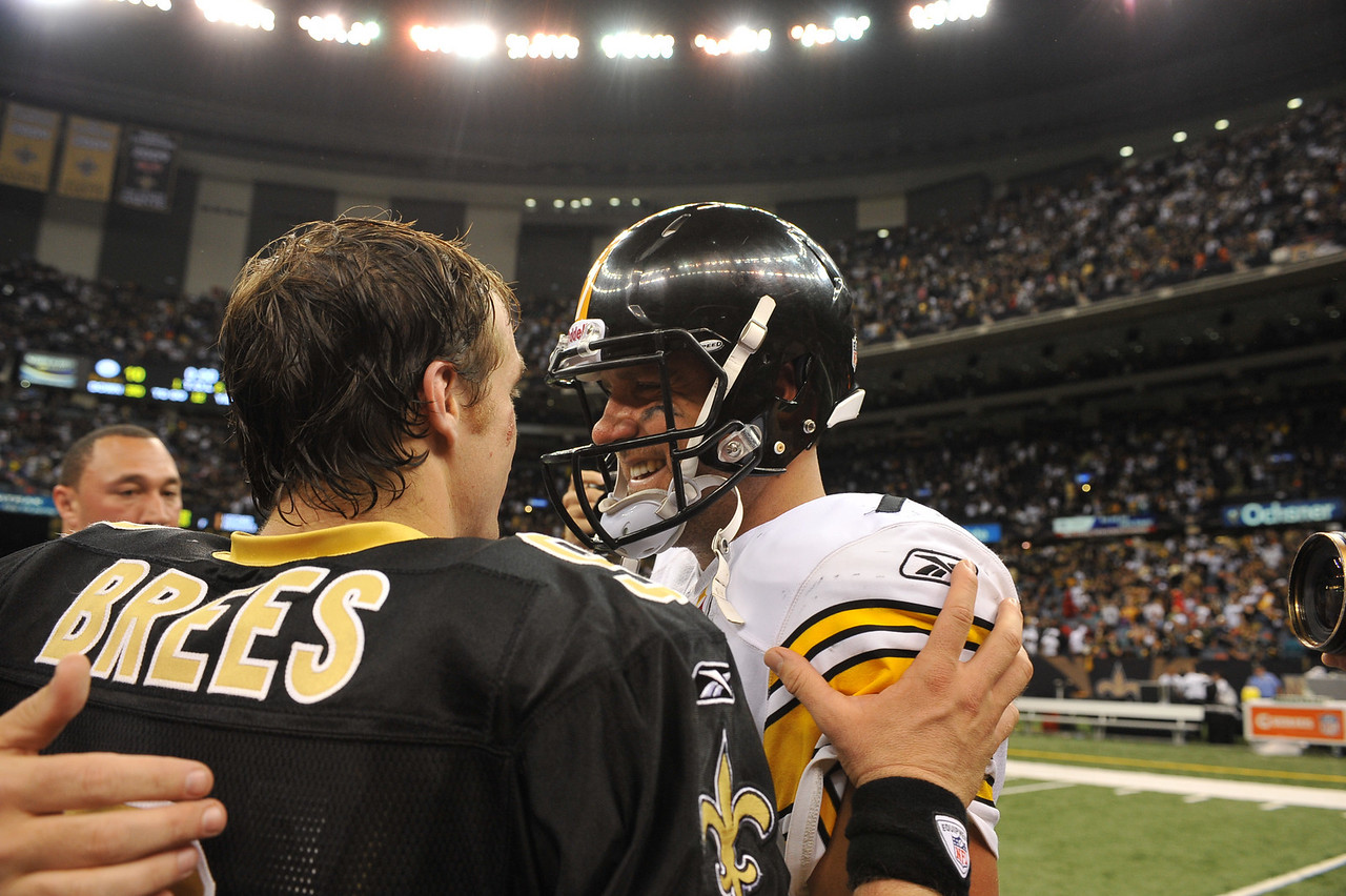OCT 31 2010:  <br /> New Orleans Saints quarterback Drew Brees and Pittsburgh Steelers quarterback Ben Roethlisberger meet up after the game between Pittsburgh Steelers and New Orleans Saints at the Louisiana Superdome Stadium in New Orleans, LA.<br />  Saints win 20-10<br /> (Credit Image: © Manny Flores/Cal Sport Media)