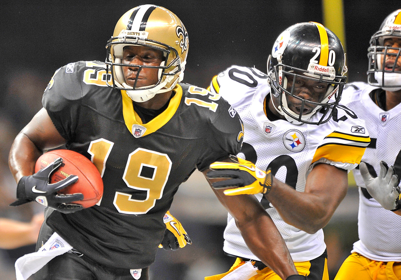 OCT 31 2010:  <br /> New Orleans Saints wide receiver Devery Henderson #19 catches the ball as he is pushed out of bound by Pittsburgh Steelers cornerback Bryant McFadden #20 in a game between Pittsburgh Steelers and New Orleans Saints at the Louisiana Superdome Stadium in New Orleans, LA.<br />  Saints win 20-10<br /> (Credit Image: © Manny Flores/Cal Sport Media)