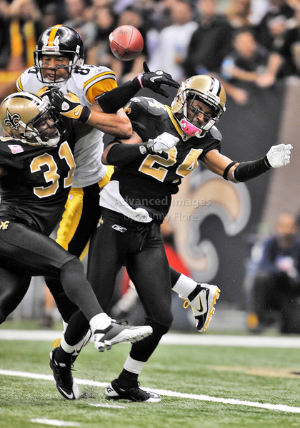 OCT 31 2010:  <br /> New Orleans Saints safety Pierson Prioleau #31 and New Orleans Saints cornerback Leigh Torrence #24 prevent Pittsburgh Steelers wide receiver Hines Ward #86 from catching a would be touchdown in a game between Pittsburgh Steelers and New Orleans Saints at the Louisiana Superdome Stadium in New Orleans, LA.<br />  Saints win 20-10<br /> (Credit Image: © Manny Flores/Cal Sport Media)